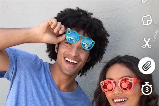 paperclip Snapchat